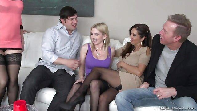 Film porno xxx prno jepang dengan pramugari telanjang dekat pesawat