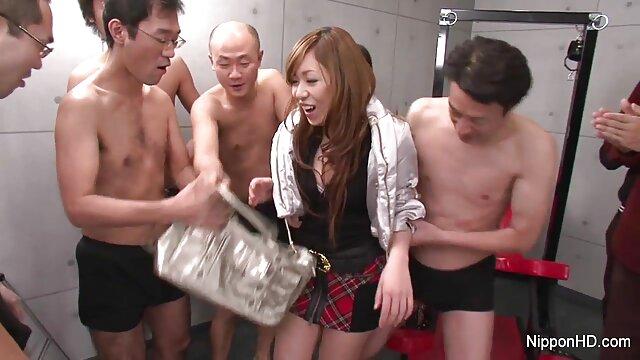 18 bokep jepang xxx selingkuh tahun aku datang dari sekolah dan duduk di penis pria itu.
