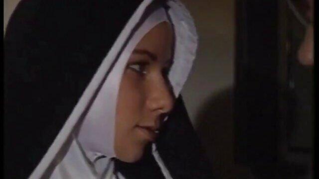Latina, xxx jepang sexy Asia, melanjutkan ketika ia mendarat UFO di jalan.
