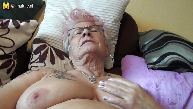 Bos Kendall Carson, memutar Aplegate AJ video porn artis jepang menunjukkan kepada kita rambut kemaluan.
