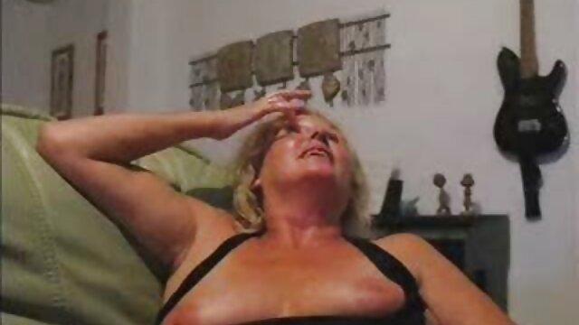 Suaminya sangat terkejut bahwa wanita yang xxx siswi jepang lebih suka seks dengan orang asing di keledai.