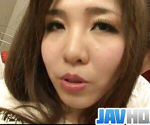 Fat sex bokep japan mom dan anak-in-hukum untuk menipu istrinya.