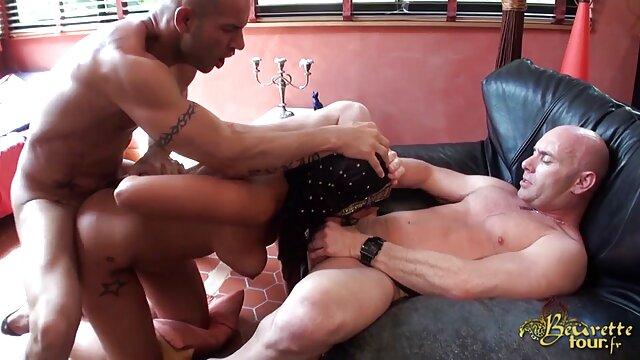 Ini adalah jepang video porn saat istri dari istri muda.