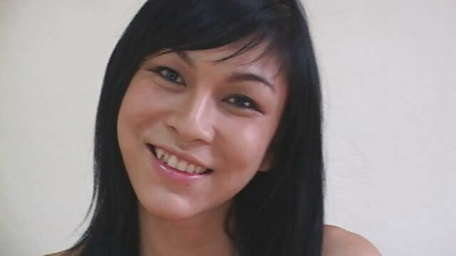 Wanita Kazakhstan mengumpulkan sperma dengan jari-jarinya dan menjilati hot jepang xxx mereka.