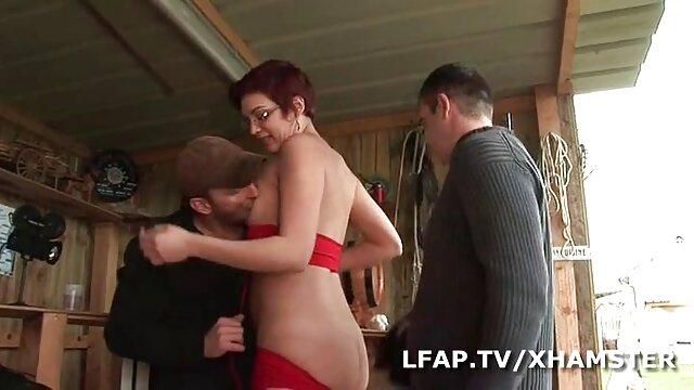 Seks dengan xxx japanese di paksa seorang wanita dalam posisi horizontal, sperma dengan mu.